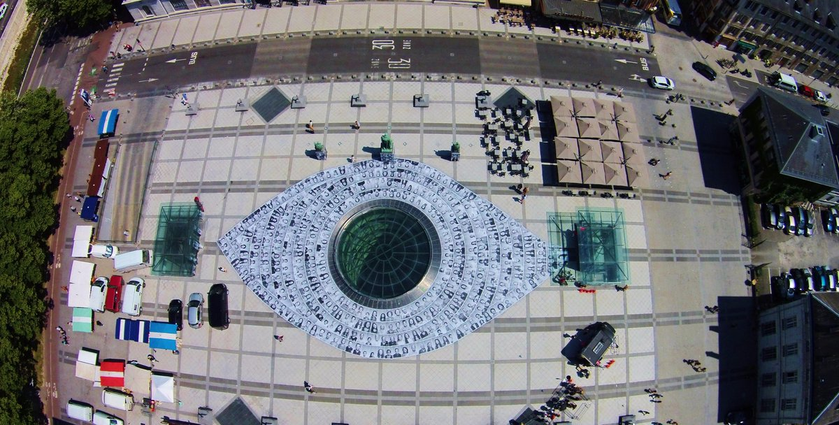 ● TOGETHER, AN EYE OVER ART ●  #Photobooth at the Place du Palais de Justice in #Chambéry, #France #InsideOutProject http://t.co/lb0K7ikEHB