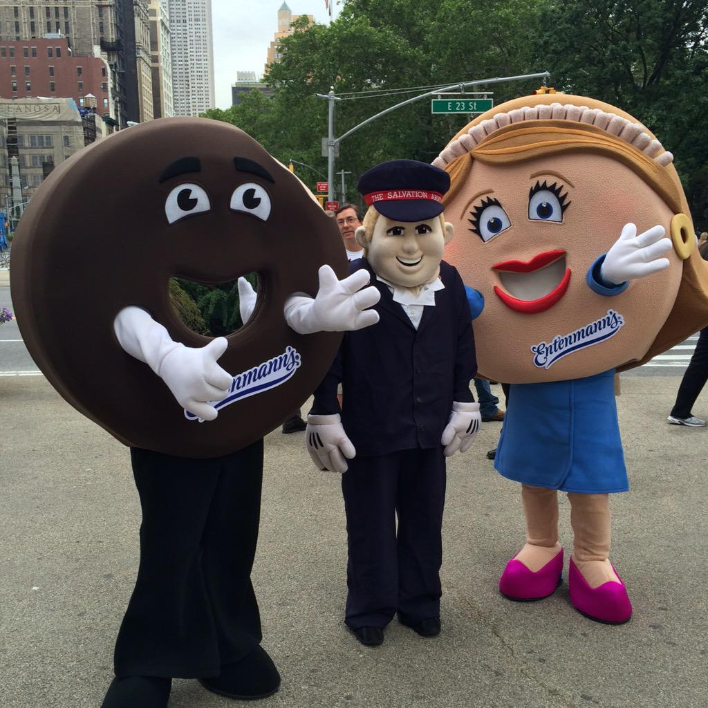 #NationalDonutDay has just begun! Join us & @SalvationArmyUS at Madison Square Park for fun and #free #donuts! #NYC http://t.co/BFiNhgoo4B