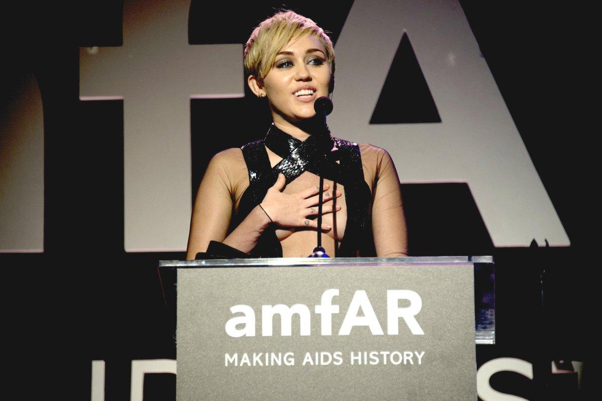 .@MileyCyrus to be honored at amfAR Inspiration New York on 6/16! #amfARInspiration #HWBrilliantFutures http://t.co/clfNWApuPF