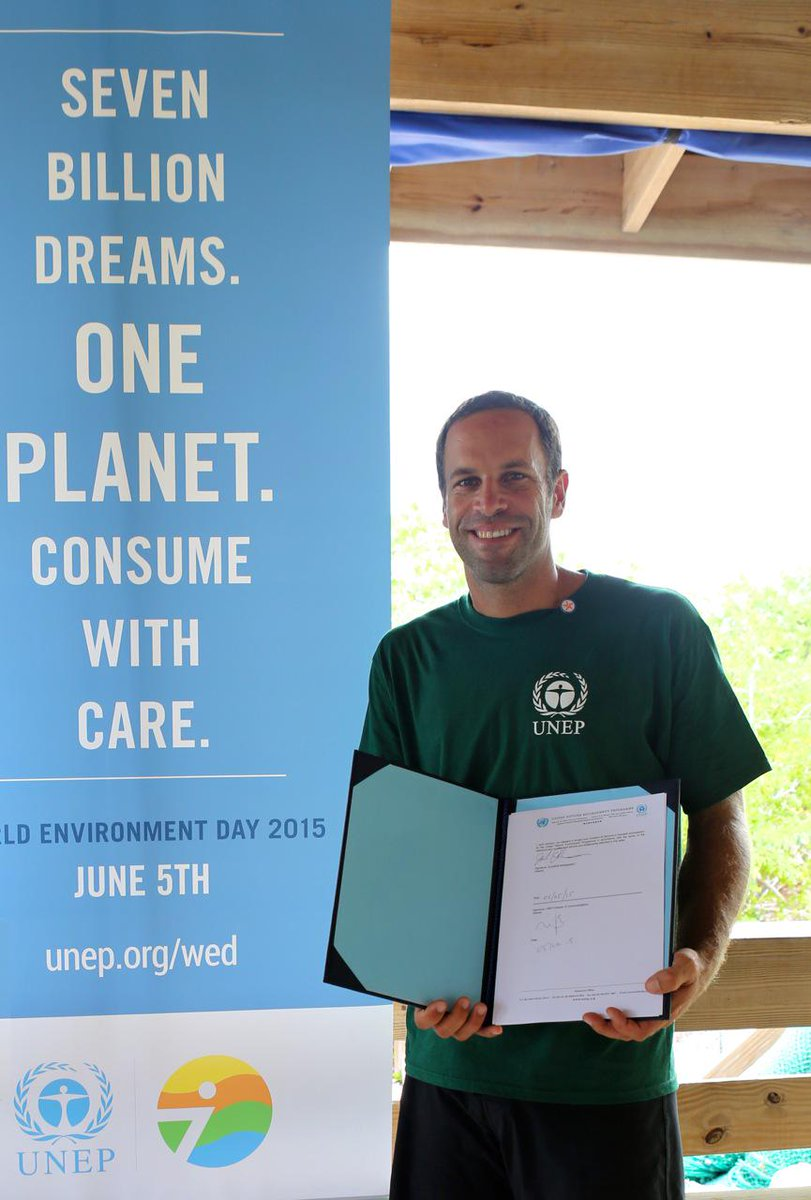 Jack is named @UNEP ambassador on #WorldEnvironmentDay! Share your dream for a healthier planet. #7billiondreams http://t.co/8xJsTDejkA