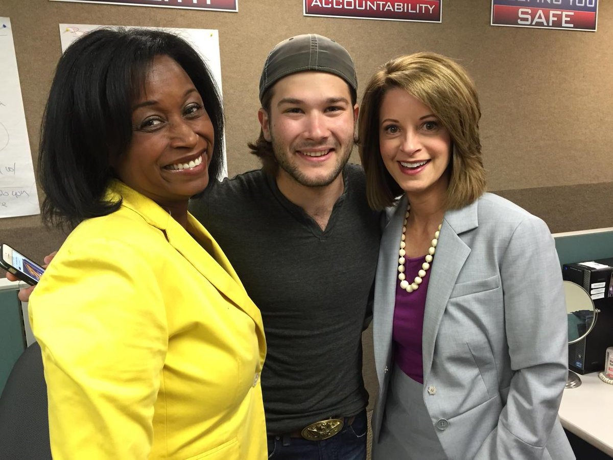 Country music loving news anchors at @abc27news with @pritchett_abc27 @ben_gallaher @arichardsabc27 #BGhometown http://t.co/c2beaL0u8X