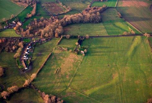 Living Under #Stonehenge's Shadow – new research at MardenHenge https://t.co/Sne7wKtbI1 http://t.co/1Lvn8LwUrd