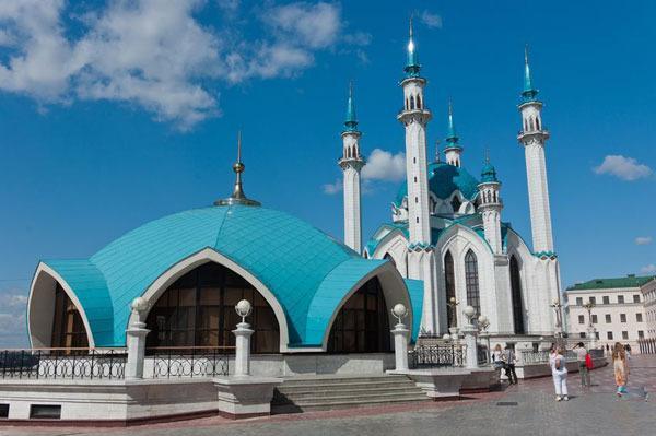 Matahari Lama Tenggelamnya Muslim Di Rusia Jalani Ibadah Puasa Selama 22 Jam - AnekaNews.net