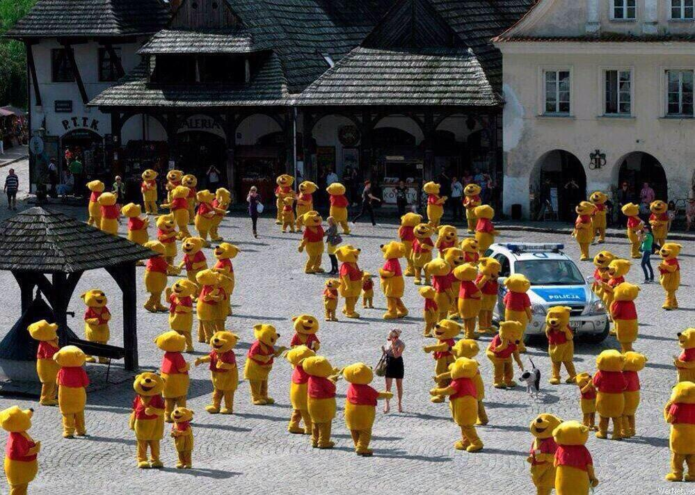 A reminder that there is an annual Winnie the Pooh convention in Poland. http://t.co/jJBR1BmwPK