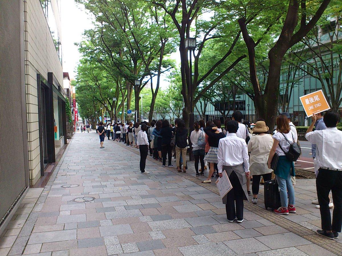 トンキッキーズ、今日も元気に日本初上陸のチェーン店に大行列 徹夜組も