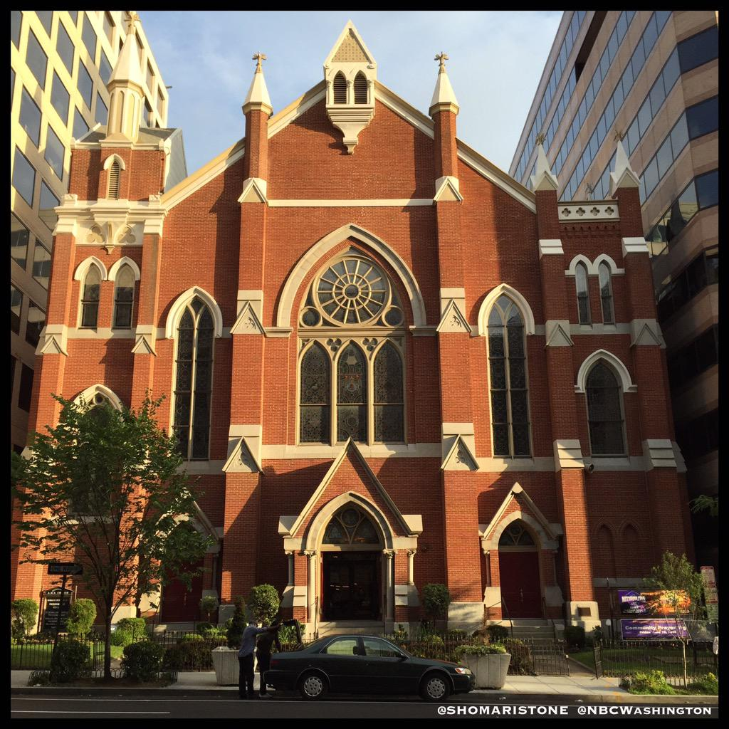#BREAKING: DC Police tell me Terrorism Task Force is investigating a bomb threat made against DC AME Church. http://t.co/ZKameqIvUW