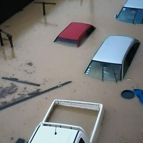 Today in Douala #Cameroon. The rains have left no stone unturned. And what's the situation in you area? #Flooding http://t.co/6WWOU0Y4Gy