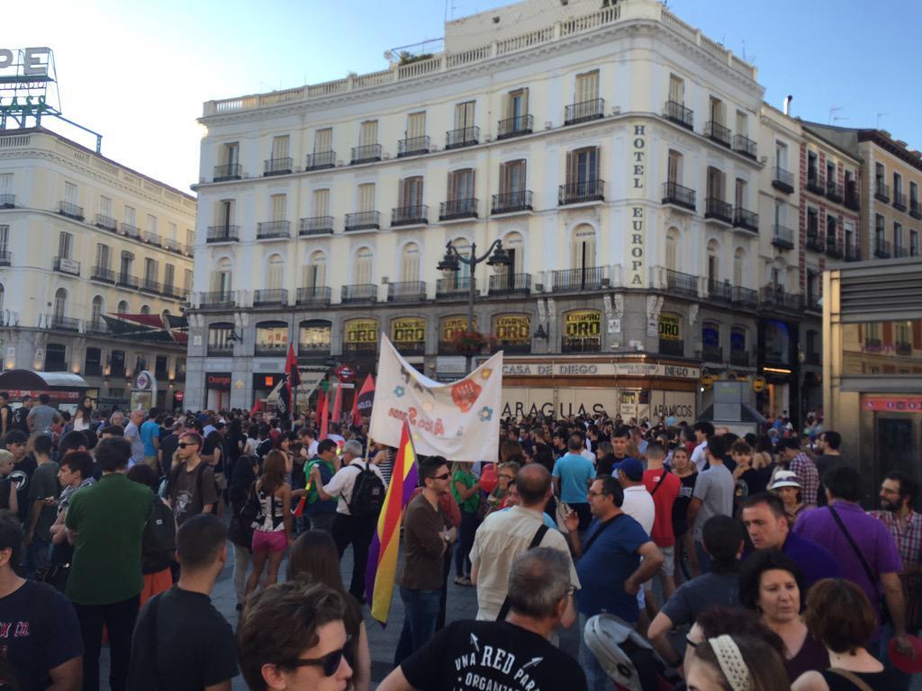 Ya estamos en Sol con #AlfonLibertad porque todas #SomosAlfon http://t.co/N2aKx9Mtsp