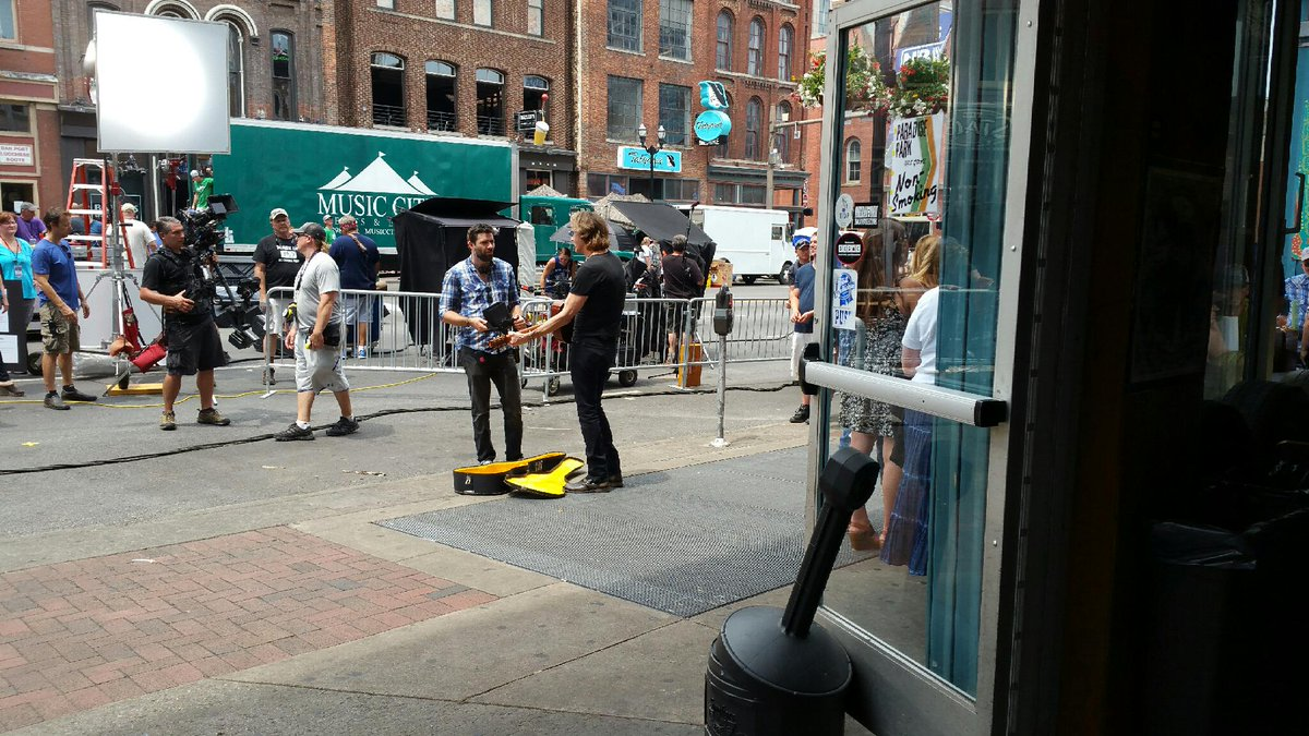 .@rickspringfield filming #cmtawards opening  #Nashville #rickspringfiled #CMAFest http://t.co/VPEHiJZwuN