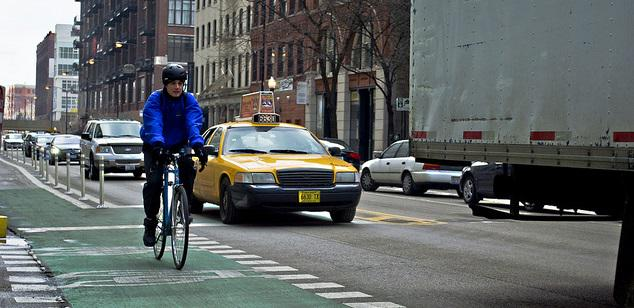 Take action! Tell Congress not to slash biking, walking + transit funding http://t.co/VL23MR2fWC Please RT.  #bikechi http://t.co/OA3LqjVj4G