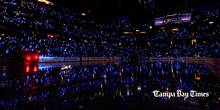 ⚡ Retweet if you're cheering on a #TBLightning win for Game 3 of the #StanleyCupFinal ⚡ http://t.co/lFQBqafCkA #Bolts http://t.co/CvTeOZ1ye7