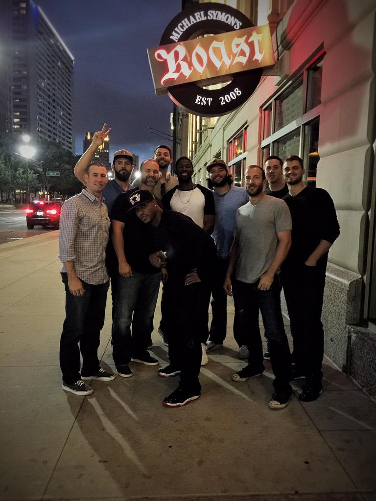 Took the boys to one of my favorite Detroit spots @EJ36 @D_Ross3 @GrimmReaper51 @DexterFowler @HammelTime39 @ZRosscup http://t.co/tgMnFZkpSL