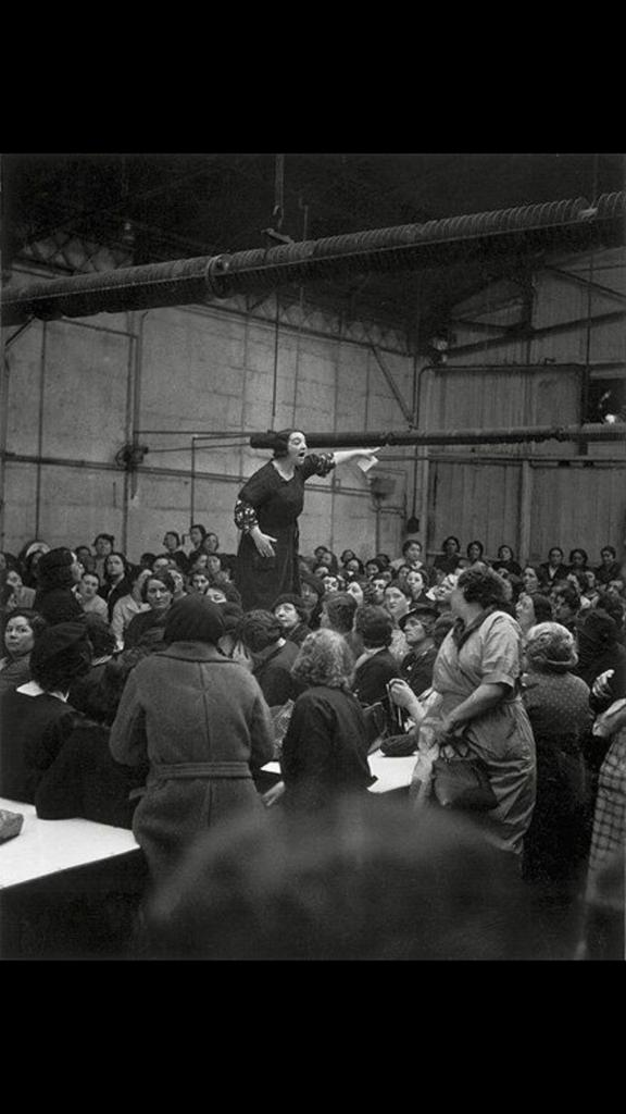 1930년 파업집회중인 Citroën 여성 노동자들 http://t.co/WKckbnTV8B