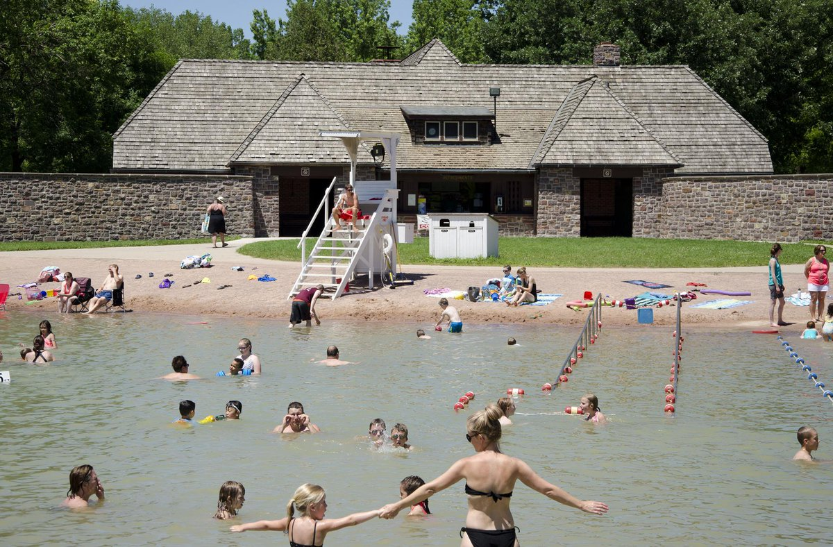 FREE admission to all @mnstateparks this Saturday for National Get Outdoors Day. Learn more at http://t.co/or7gkLKkqY http://t.co/vqmUQj4N4h