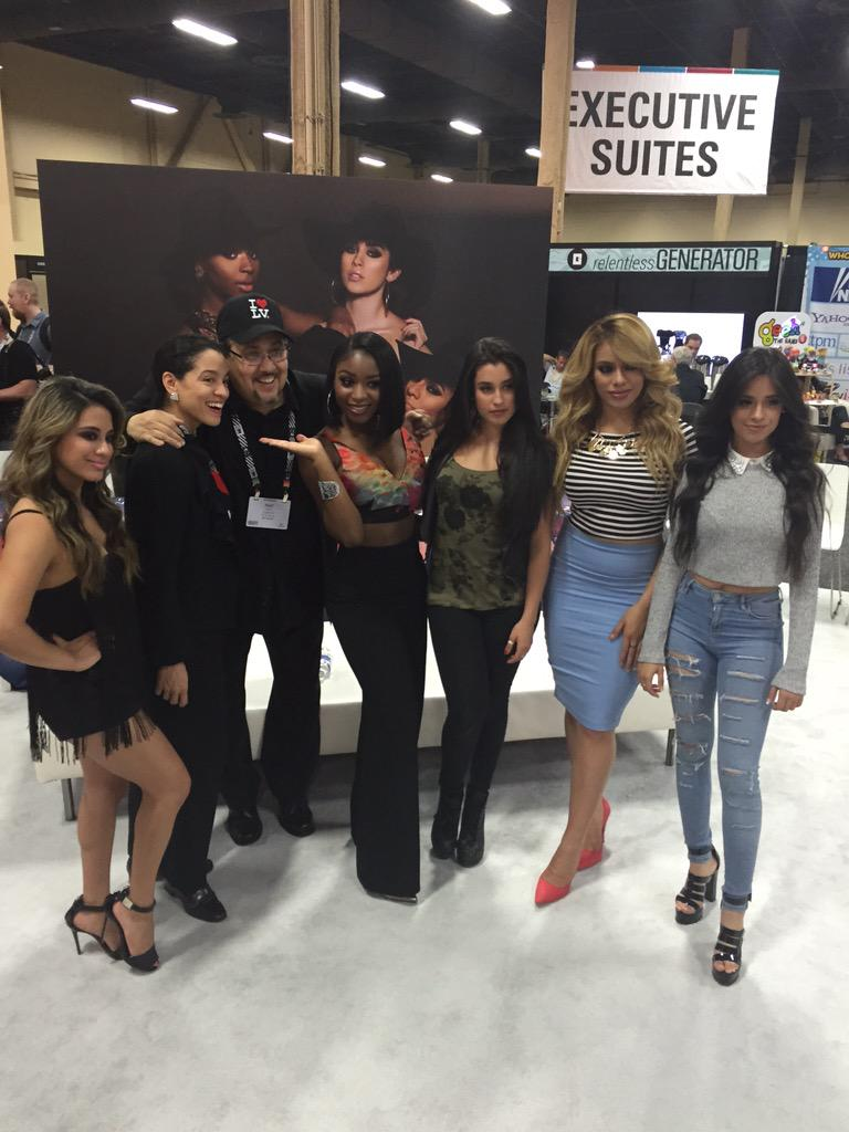 Striking a sharp pose, hitting the right notes! Meet @fifthharmony @ Booth T197 @SonyMusicGlobal #licensing15 #vegas http://t.co/Vdc5i2DAy5