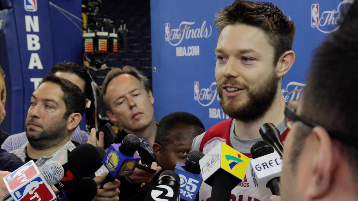 We know what Matthew Dellavedova is made of. He's a Gael. #Dellavedova #NBAFinals  http://t.co/WPpyqdeDsU http://t.co/jadFTJypS9