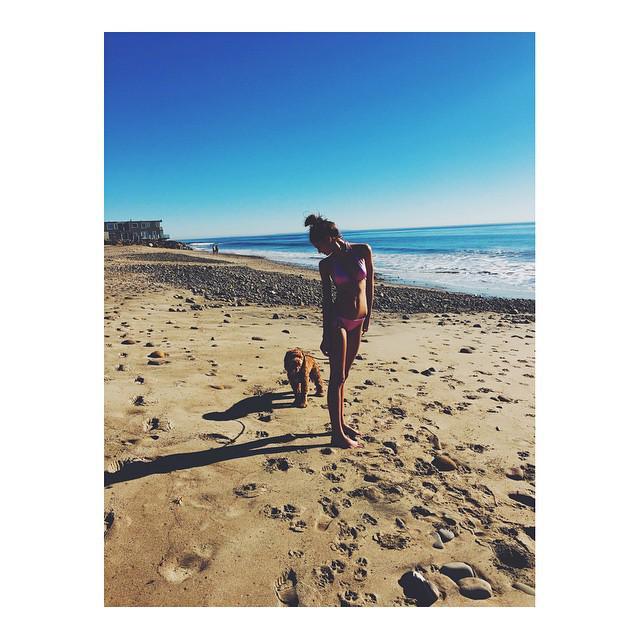 .@TaylorMarieHill beachin' with her bae. ????  #OwnTheSummer http://t.co/dYsq5KuuFm