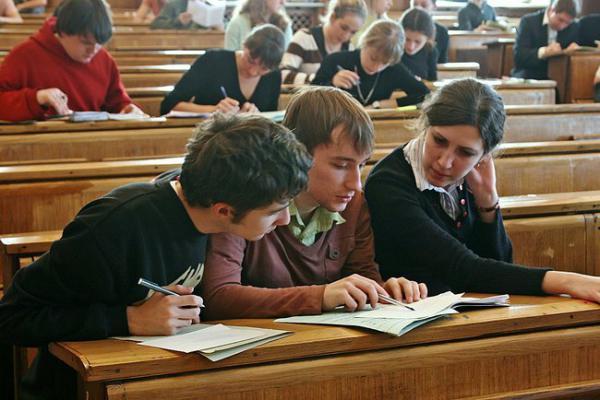 Ирина Лукьянова: Если хотите, чтобы дети получили высшее образование, - начинайте...