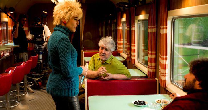 スペインの奇才ペドロ・アルモドバル最新作「Silencio」、クランクイン写真を初公開 by @agustinalmo http://t.co/Y5nR8IzdC2 http://t.co/E3geoY4L1B