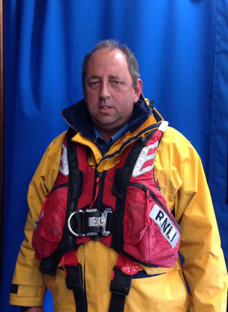 #HeartNews VIDEO Bravery awards for @lifeboatpadstow 6-hr rescue of French trawler @RNLI  http://t.co/ucyhYzPkaJ http://t.co/HKgQJ8AQhH