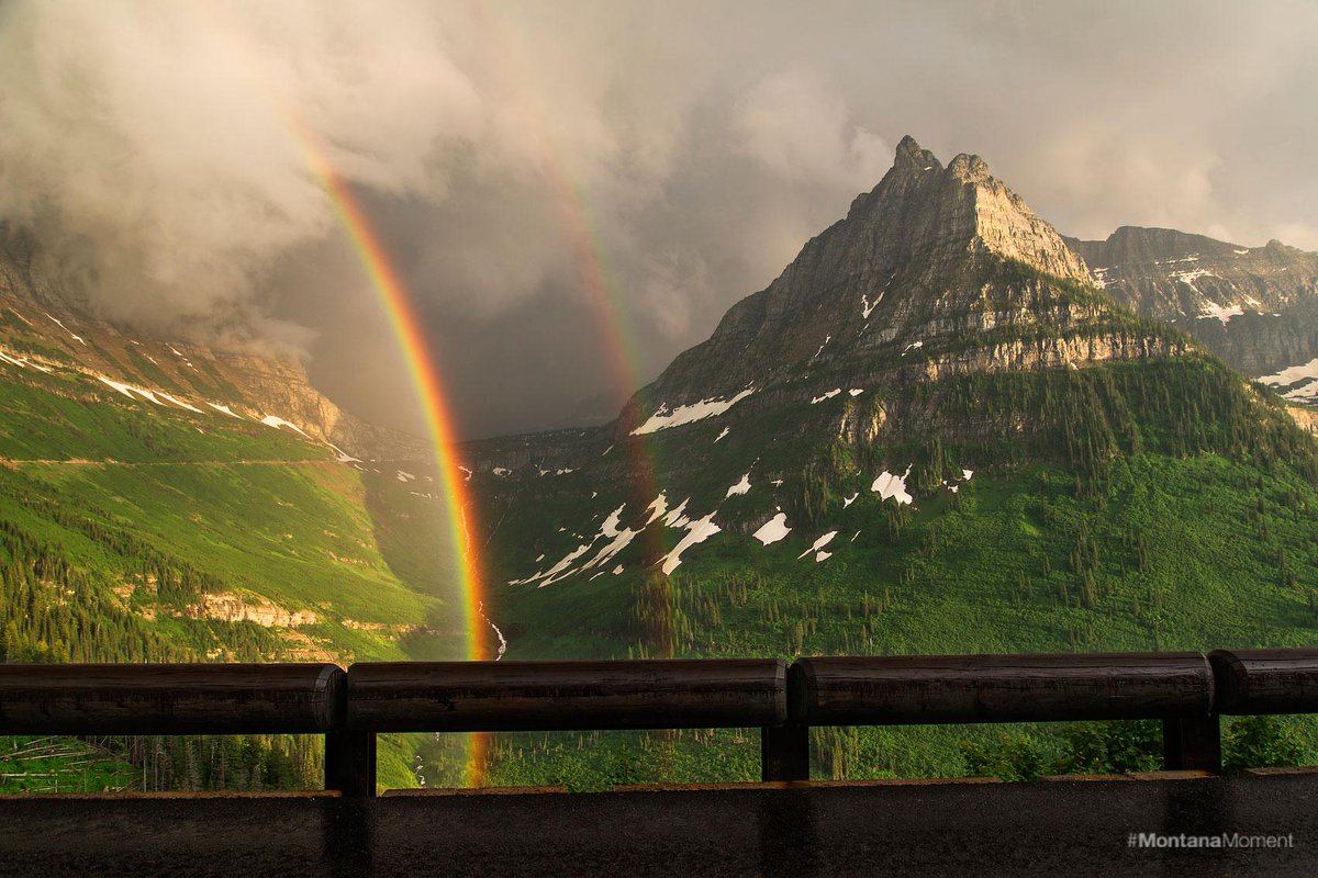 There's a reason that Glacier National Park is called the Crown of the Continent. #MontanaMoment http://t.co/zVR2qpNo9O