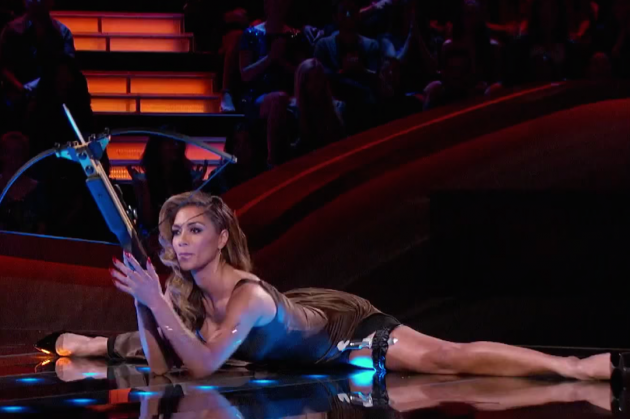 RT @PopCrush: .@NicoleScherzy's latest #ICanDoThat stunt is insane(ly terrifying-yet-hot): http://t.co/sDlaH8waf8 http://t.co/X9QzBQ76fO