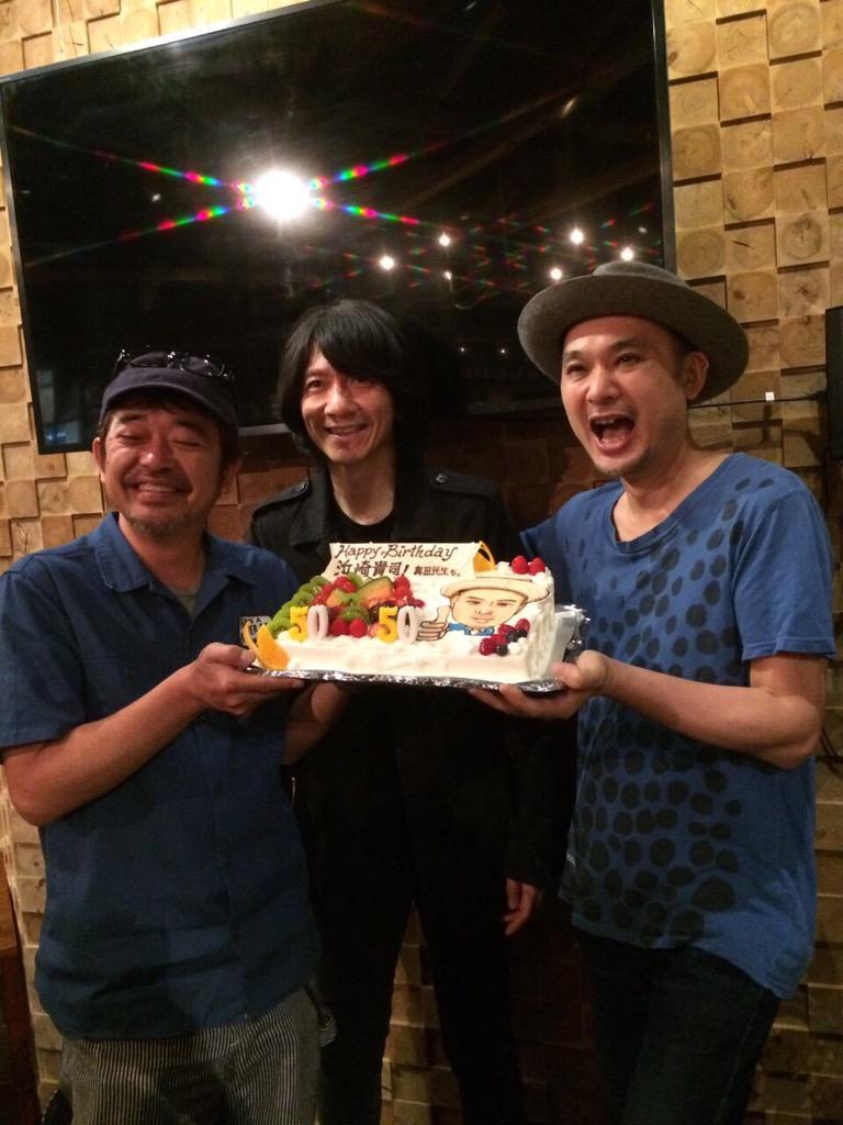 写真は打ち上げの時の民生君、吉井君、そして私。改めて会場にいらしてくれたみなさん、ありがとうございます!そして、沢山のメッセージもいただきました。こちらもありがとうございます! http://t.co/SWk98DHeBm