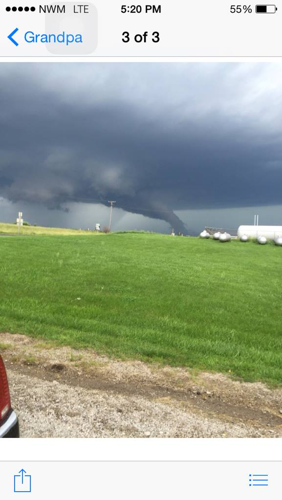 Picture sent to me on Facebook when the storm was in Nodaway Co.about 45 min. ago now in Gentry Co. #mowx http://t.co/86afn8bZum