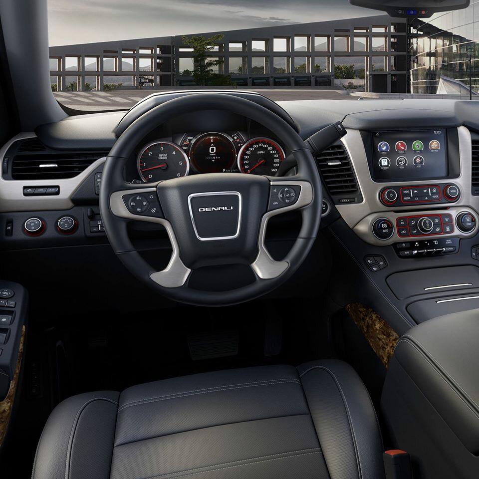 Desarrollamos la tecnología que eleva nuestras camionetas a un nivel superior: #GMCDenali. http://t.co/TPq6Fqgk29 http://t.co/rMcHOrx4PI
