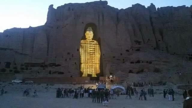 The giant Buddhas of Bamiyan, destroyed by the Taliban, rise again with 3D light projection. http://t.co/lZQD0cc8W3 http://t.co/jXo1K2GA77