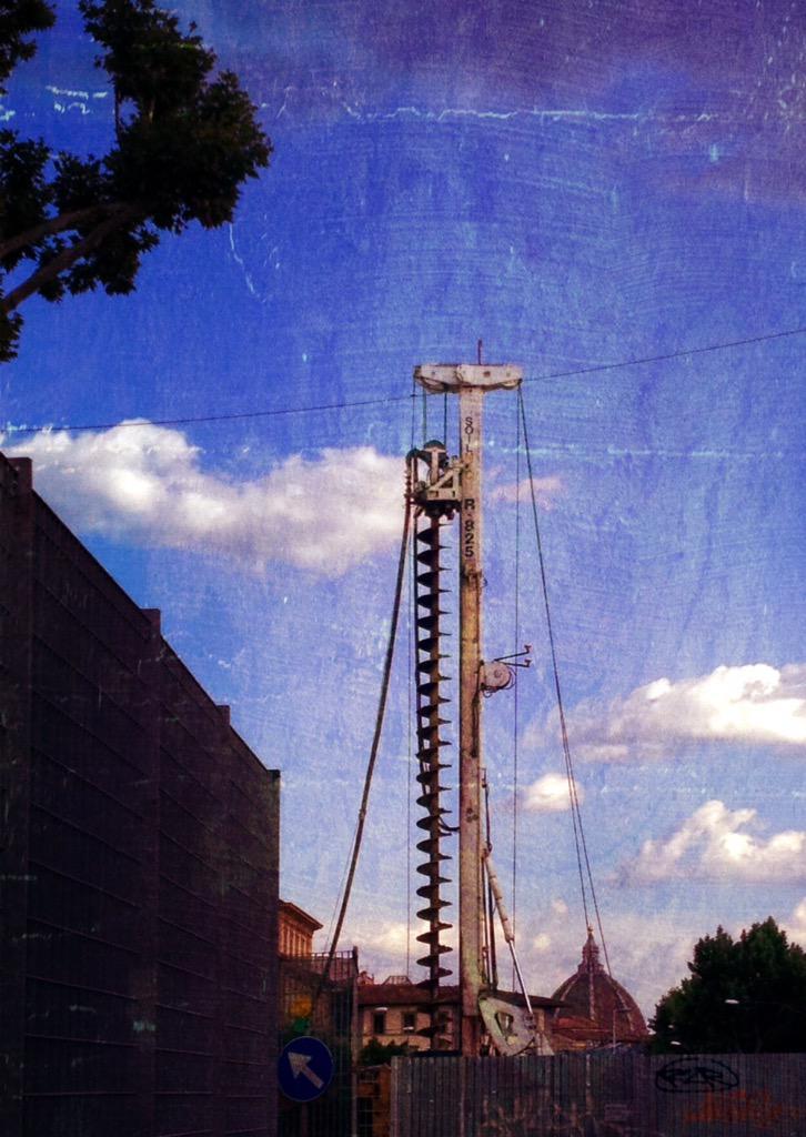 """RT @destinograzia: #Firenze Cupola con trivella: paesaggi di tramvia http://t.co/DmiXq9jTwF<a target=""""_blank"""" href=""""http://t.co/DmiXq9jTwF""""><br><b>Vai a Twitter<b></a>"""