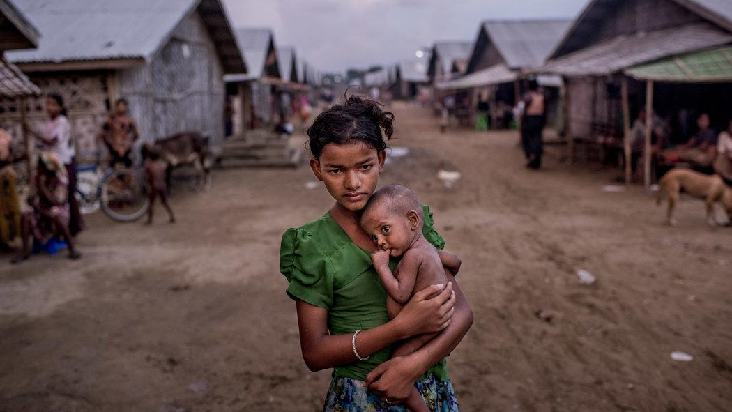 A haunting image from Tomas Munita with a troubling report from Myanmar by @thomasfullerNYT http://t.co/ahmk3Io5mQ http://t.co/2rJ7cDIPhr