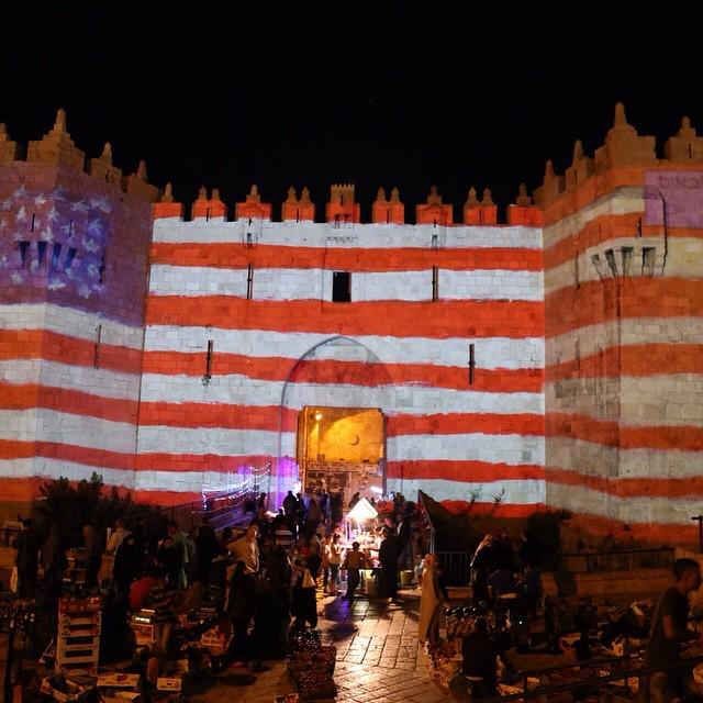 I have never seen Damascus Gate quite like this at the Jerusalem Light Show http://t.co/qhIgslyDrk