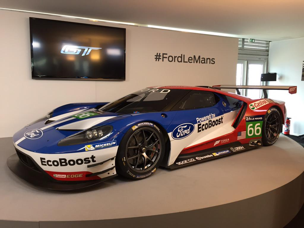 @Ford's 2016 #FordGT race car in #redwhiteandblue livery at the #24HoursofLemans makes me proud to be American. #USA http://t.co/hpyNALUWLS