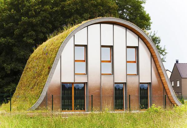 Meer uit je dak met een bijzonder #groendak.  @DeGroeneStad @Hiskeridder @annemariebor #duurzaamheid http://t.co/jf1JtR5GXh