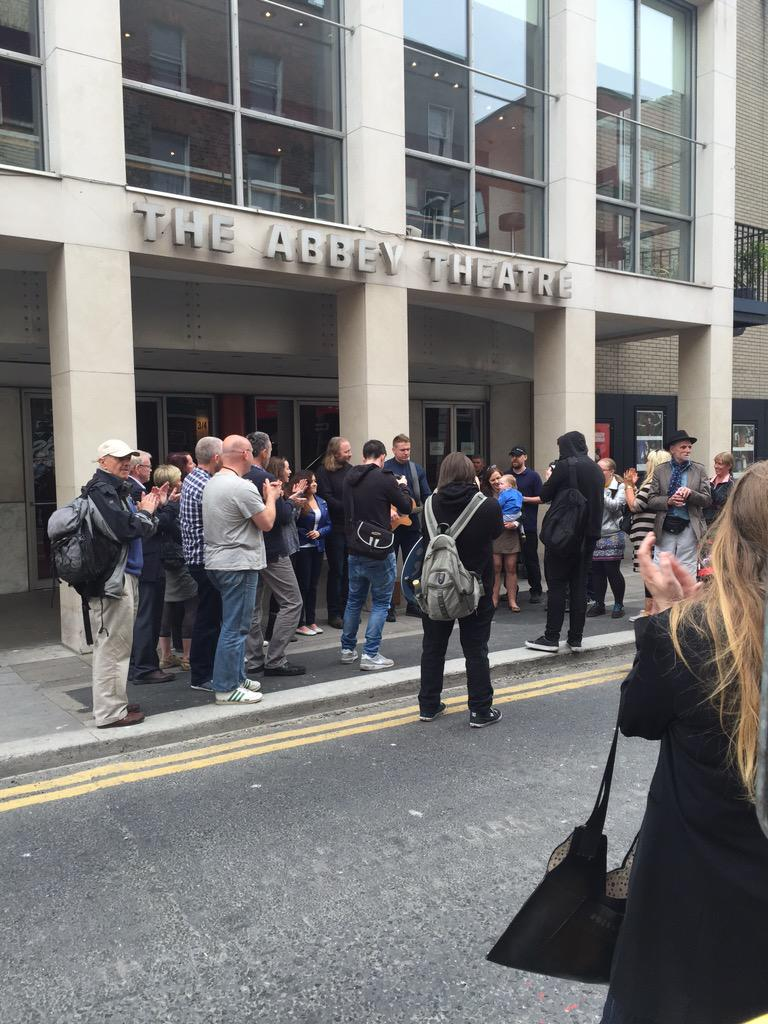 Impromptu performance by @damodempsey outside @AbbeyTheatre ... Shooting vid in other words... http://t.co/kQfBGcrBHD