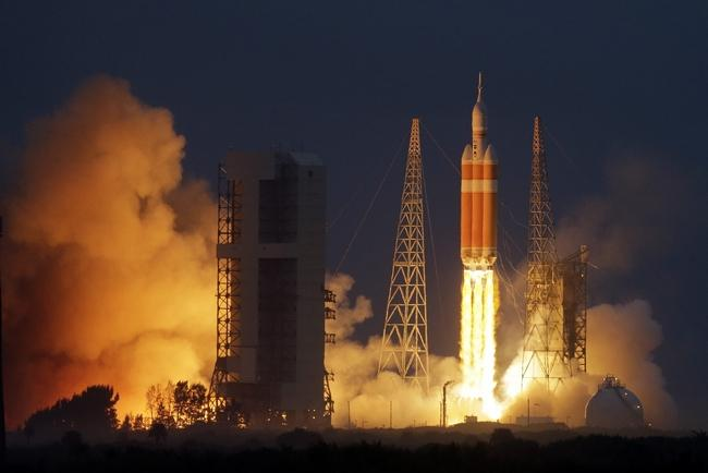 Engineers in #Rockford are making a critical part for the @NASA_Orion spacecraft. http://t.co/d3gZdh47MV http://t.co/cOj2O9Lj15