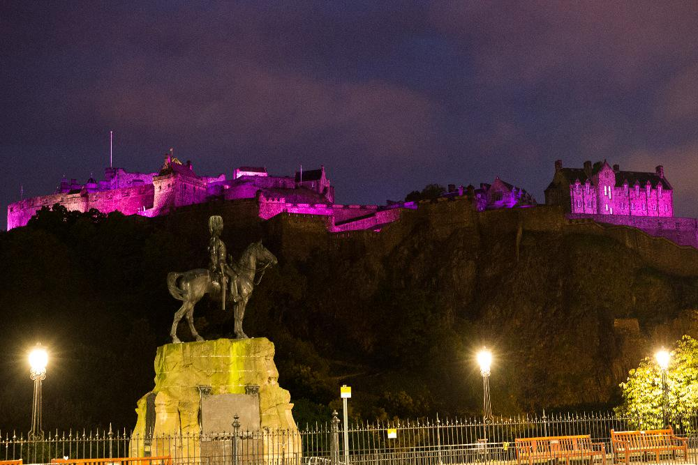 Wakey Wakey Mad Hatters! It's MoonWalk day! Get ready to see Edinburgh turn pink before your very eyes #MoonWalkScot http://t.co/YZMKOL2zip