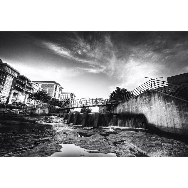 A KILLER black&white shot of @RiverPlaceSC in #yeahTHATgreenville by imtheskittleman 👏💚💪 http://t.co/RuroS8EUxM