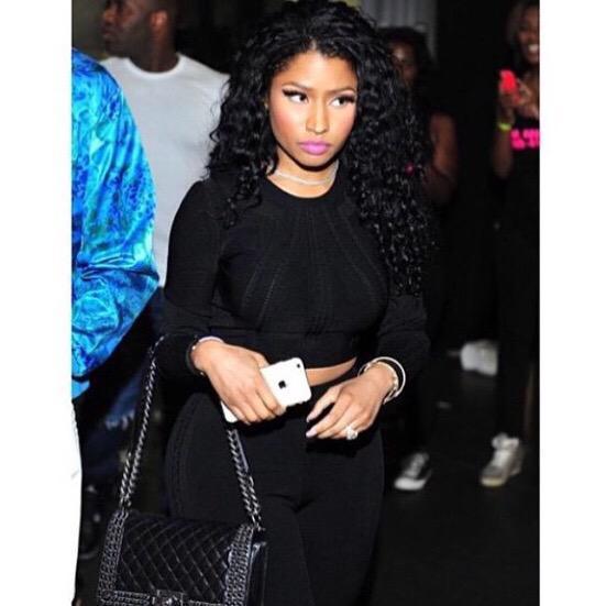 RT @myminaj_: I love her curly hair and I love when she wears black ???????? http://t.co/0OJDKUeakQ