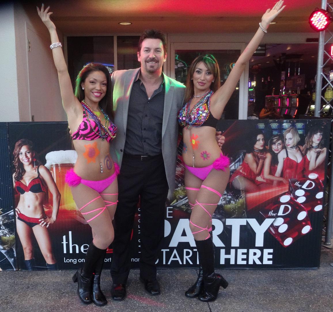 Working @theDlasvegas is rough with my sexy, fellow employees around! #EDCLV #Vegas #Party @FSELV http://t.co/kBWkTpXBhR