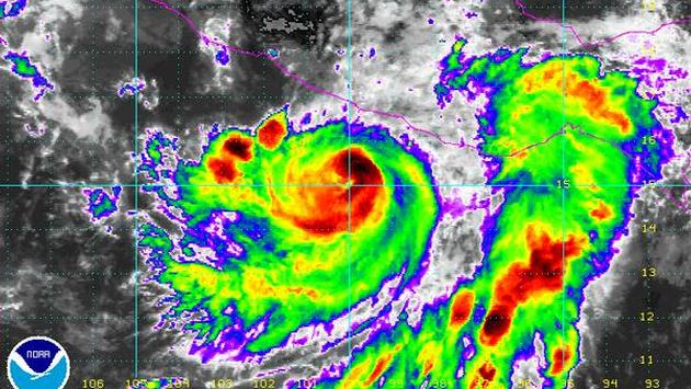 HurricaneCarlos Approaching Acapulco Area