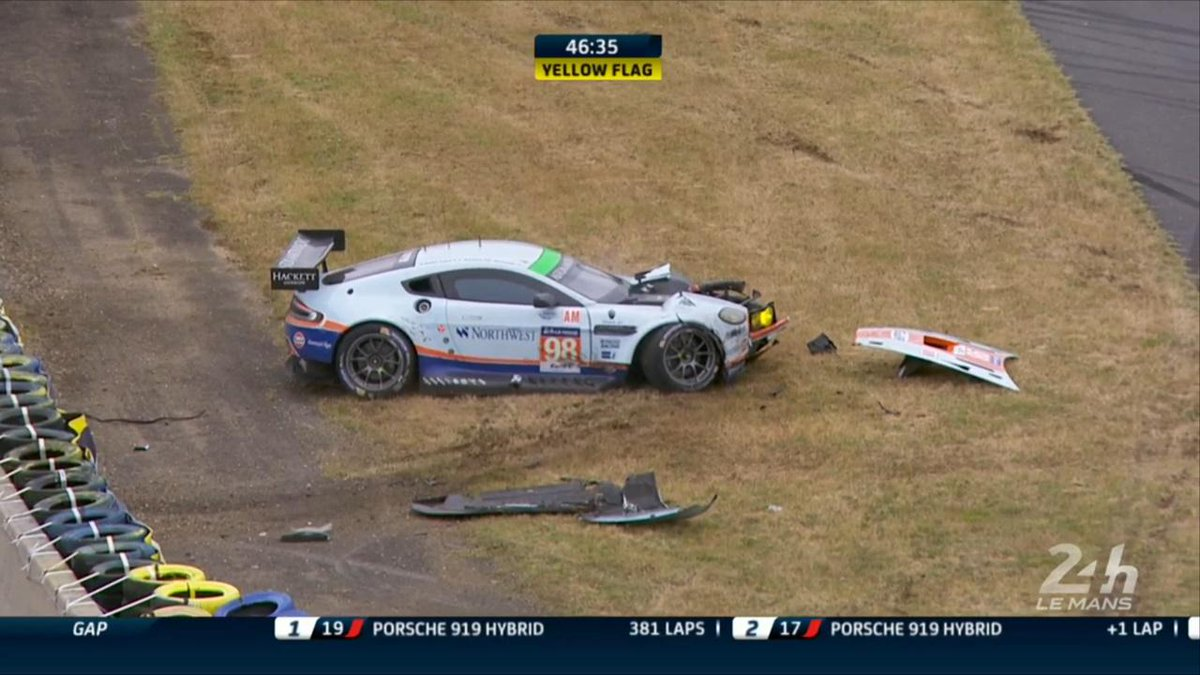 DRAMA in the final hour of the @24hoursoflemans: The GTE-Am class leading @AMR_Official Vantage has crashed: #LM24 http://t.co/MudYojeyU8