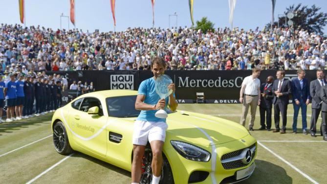 Rafa #Nadal and his bright yellow Mercedes @MercedesCup (Getty / Daniel Kopatsch) http://t.co/B8gGSGl3Gy