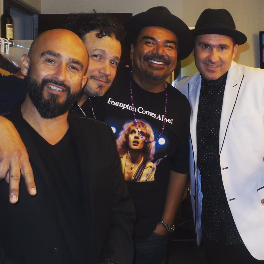 This loko says he's playing guitar with us tonight #HollywoodBowl @georgelopez #SOLO @ozomatli http://t.co/wlro2CUIAN