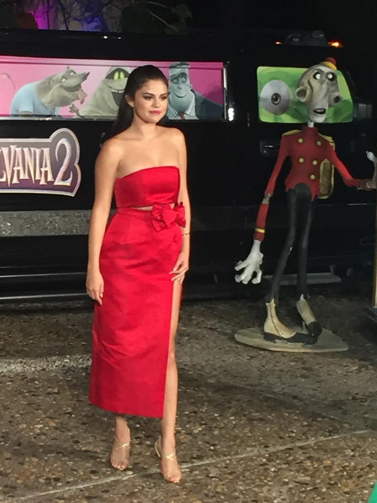 @selenagomez #HotelTransylvania2 #SummerOfSonyPictures #HotelT2 #CoberturaMASQUECINE http://t.co/o9CumXFQky