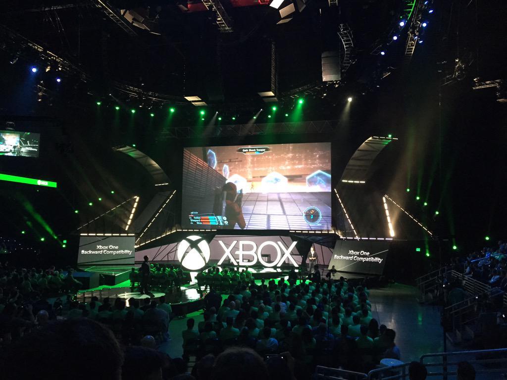 Aww yea - Mass Effect on #XboxOne http://t.co/pcqNRDJQlM