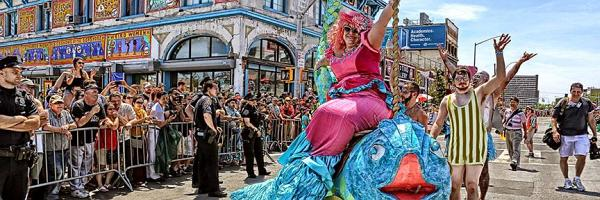 Wave hello to summer at the Mermaid Parade this Saturday, June 20th at Coney Island! #ConeyIslandFun #MermaidParade http://t.co/Bv3BtRfQcS