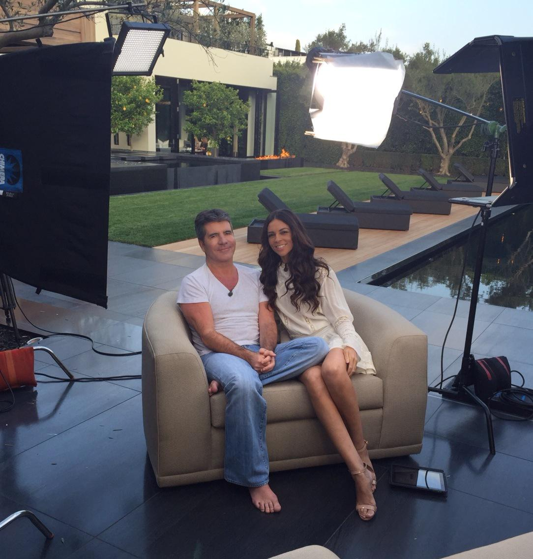 Tune into @extratv tonight to see my new interview with @SimonCowell http://t.co/fXqWE9A4X5