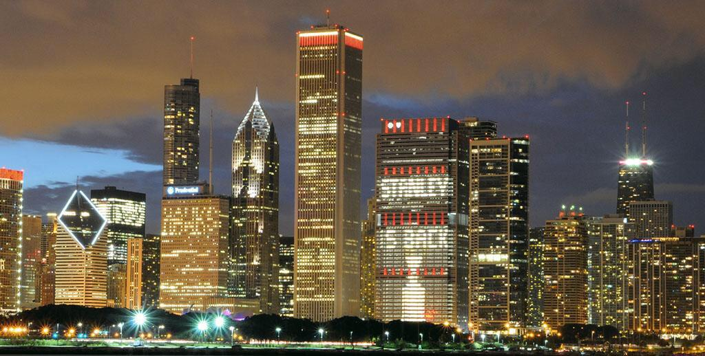 It's official and light up the #Chicago skyline. #StanleyIsback http://t.co/JLkPleOR1L